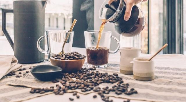 мало кофе на английском